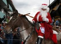 Navidad Costa Rica Tope San Jose Colacho Santa Claus