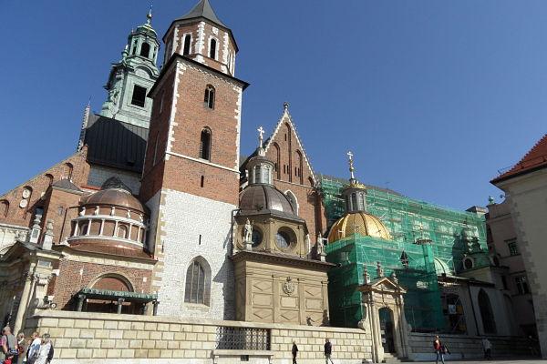 Fotografía de la fachada de la Catedral de Wawel en Cracovia