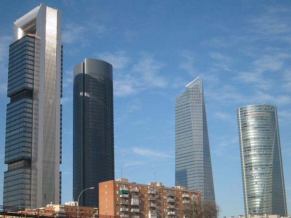 cuatro torres madrid altura
