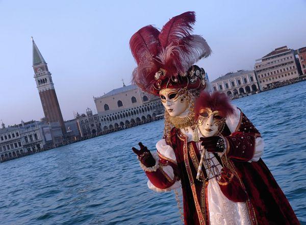 carnaval venecia canal