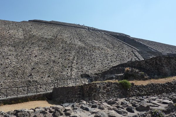 piramide sol teotihuacan contrapicado