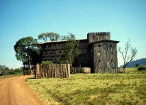 treetops lodge hotel kenia