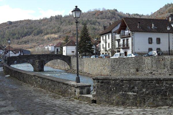 Ochagavia Puente Medieval
