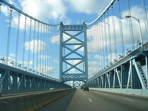 puente benjamin franklin carretera vehiculos