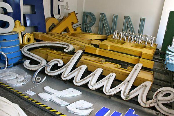 Buchstabenmuseum museo berlin letreros