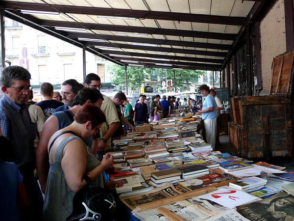 mercado dominical sant antoni barcelona libros