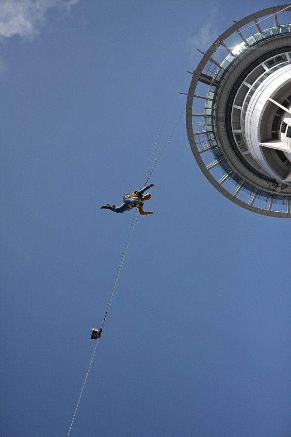 sky tower salto