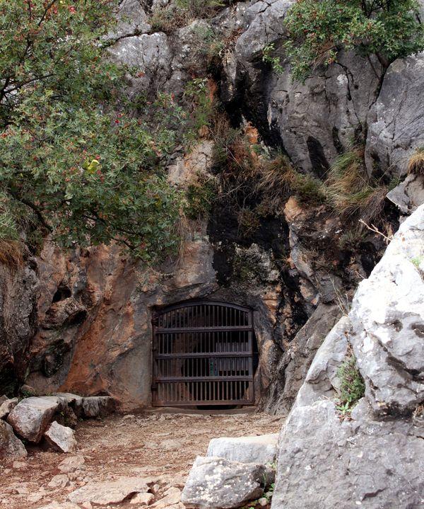 cueva pileta