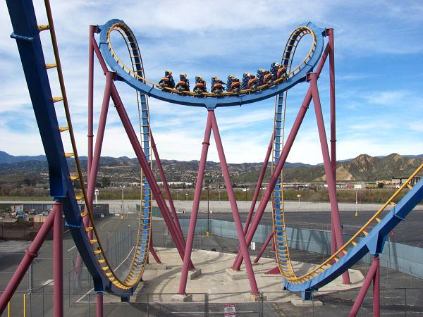 Six Flags Magic Mountain Un Paraiso De Atracciones En Los Angeles