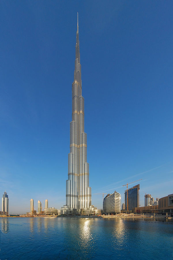 burj khalifa 828 metros