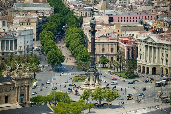 estatuta colon barcelona plaza