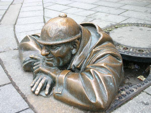cumil estatua bratislava