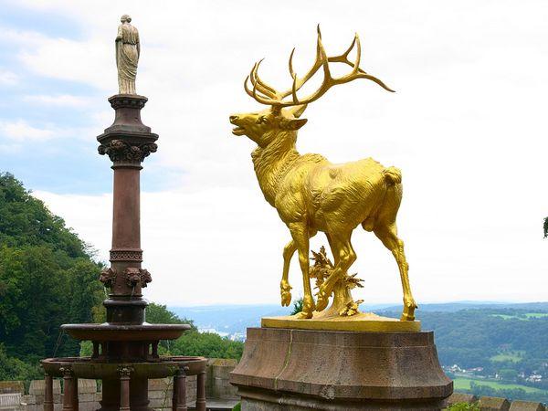 castillo Drachenburg esculturas