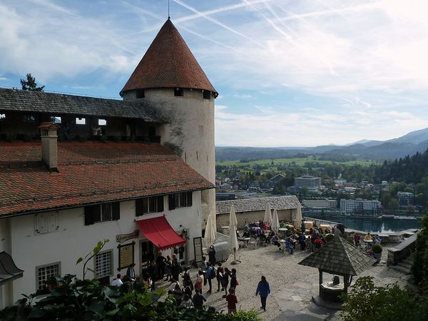 lago bled castillo