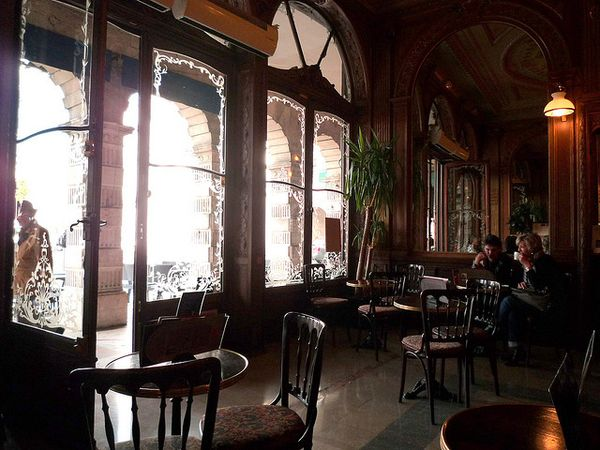 cafe paix interior