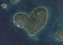 Galesnjak isla forma corazon
