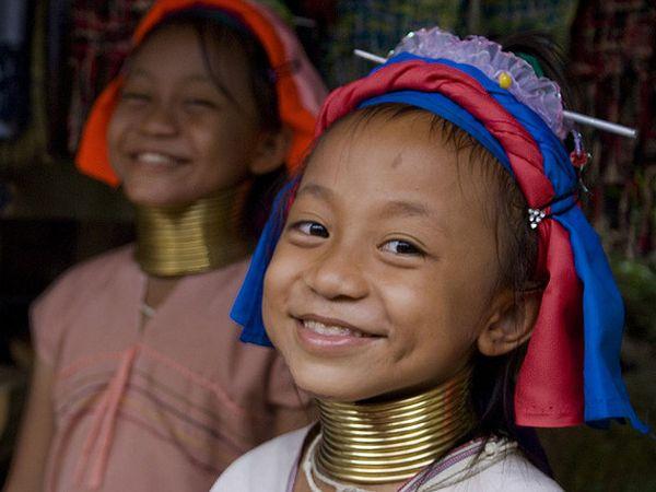 mujeres jirafa tailandia niñas