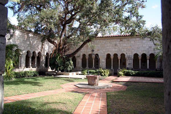monasterio miami claustro