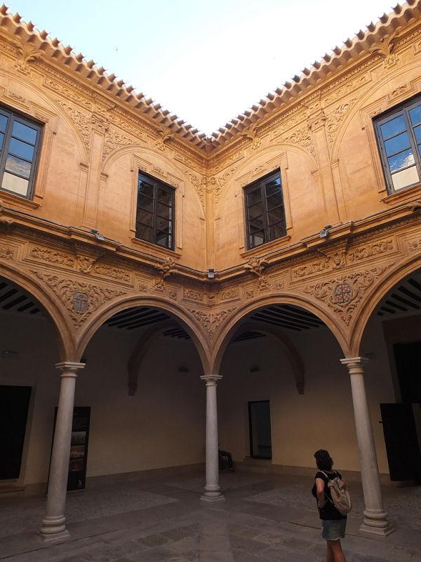 palacio guevara patio