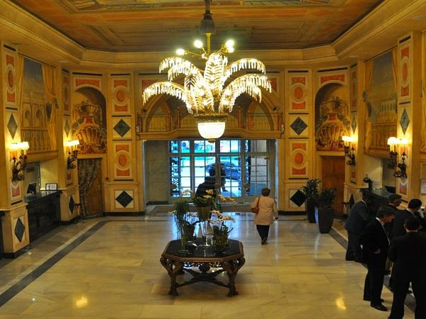 hotel palace madrid hall