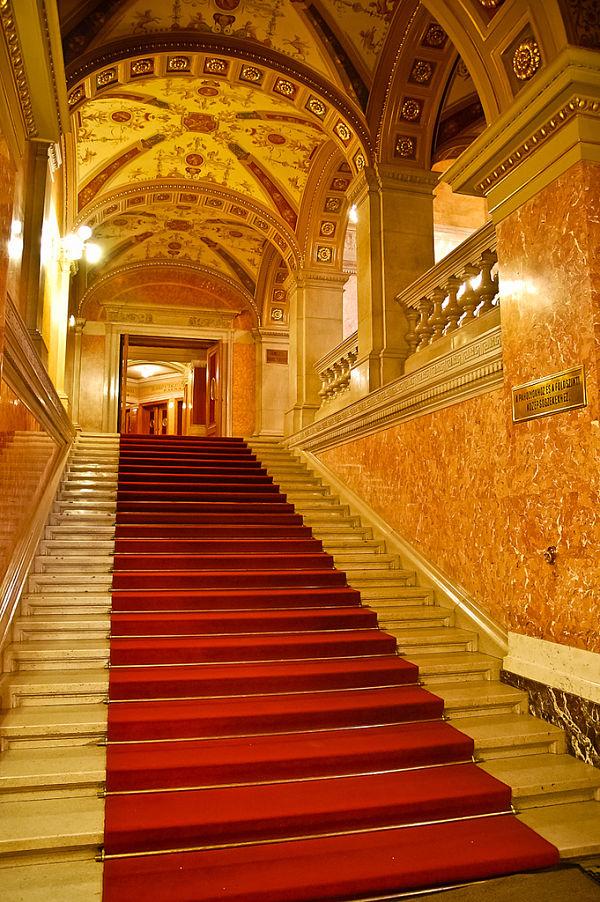 opera nacional budapest escaleras