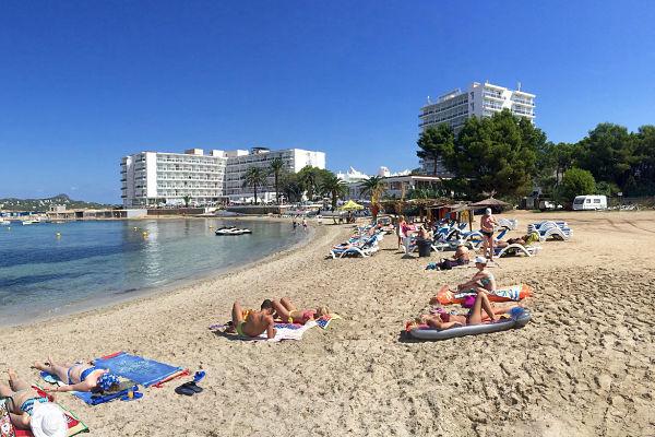 hoteles aparthoteles apartamentos Ibiza